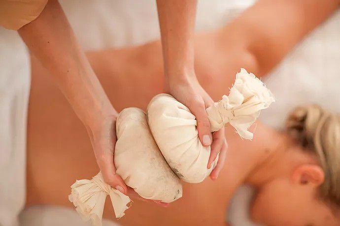 Luk Pra Kob - Herbal Ball Massage