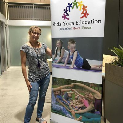 Kids Yoga Education: Suzanne Ellis, director