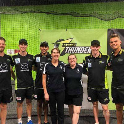 Sarah with the Mens Big bash women's league, Sydney Thunder, as Senior Massage therapist, sports massage, pre and post massage