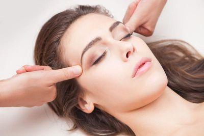 Acupressure Forehead 2